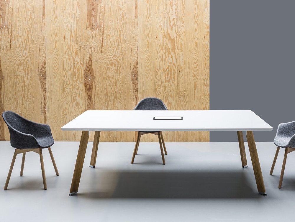 balma simplic modular meeting table with metal base. Black Bedroom Furniture Sets. Home Design Ideas